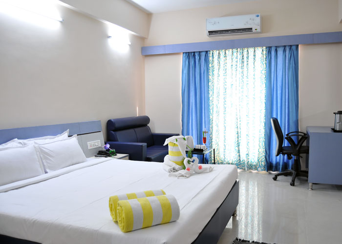 Stay At Shegaon - Though the hotel is little far from the Segaon, we did not bother much as we had our vehicle to reach Shegaon. It is in the heart of the town and you can find all essentials close by,should you need anything.